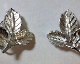 Vintage - 1966 - Sarah Coventry Petite Clip On Earrings - Silver Tone Triple Leaf