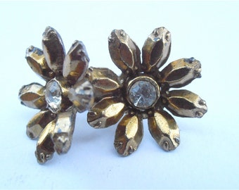 Vintage Gold Daisy Rhinestone Earrings Golden Flower Faceted Petals Vintage Gold Petal Earrings Daisy Earrings Flower Power Tone Earrings