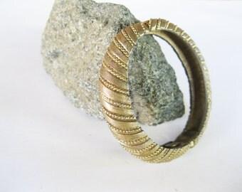Clamper Bracelet Les Bernard Hinged Goldtone Vintage