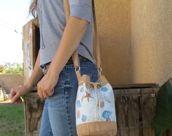 Beach-Perfect Shell Printed Bucket Bag with Tan Accents
