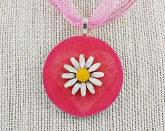Handmade Upcycled Washer Necklace - Pink and White Daisy
