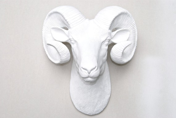white ram head wall mount faux bighorn sheep wall hanging. Black Bedroom Furniture Sets. Home Design Ideas
