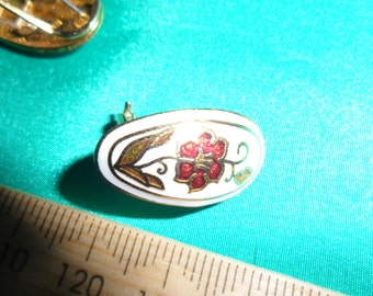 Authentic Vintage Enamel White With Red Flower Beautiful Gold Earring