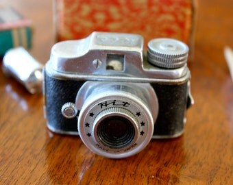 Vintage Hit Subminiature Spy Camera Rare Box and Film