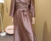 REDUCED! 1950s 2 piece Formal Dress suit.Jackie Kennedy.Ladies vintage Couture.Mauve Blush Color Liqued Satin Gown.