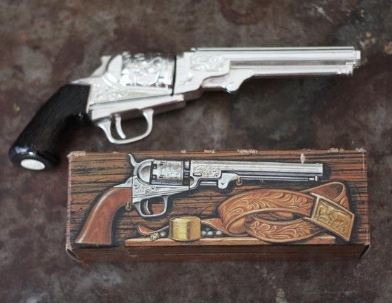 Vintage Avon Colt Revolver 1851 Gun After Shave Decanter