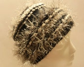 Price Reduced - Was 19.00    Super Bulky knit hat, Black, Beige tweed, Fun Fur