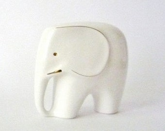 Vintage Porcelain Elephant (Medium)