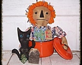 Primitive Grungy Folk Art Raggedy Ann Annie Cat Doll Tea Pot Shelf Sitter Décor