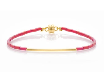 Delicate Cranberry Red & Thin Gold Bar Friendship Bracelet
