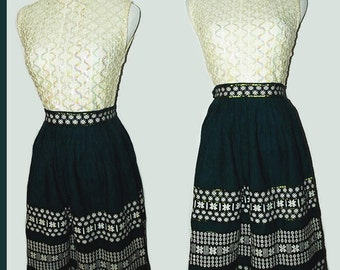 VTG 50s Bombshell Pin Up ROCKABILLY High Waist Embroidered Swing Party Skirt XS