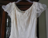 Vintage Bianchi Original Bridal Wedding Gown Princess Style Netting Lace Size 2 Size 4 Ivory Moonlight Cream Color