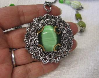 Dark Green Cats Eye Necklace Antique Silver Tone Metal, Green Cats Eye Beaded Necklace, Filigree necklace