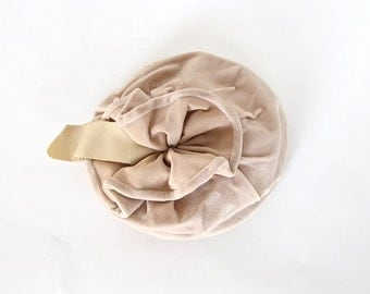 Vintage Honey Velvet Hat . 1950s Wedding Tilt Topper