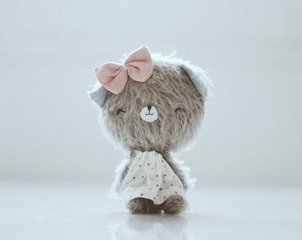 Filomena little kitty plush - PRE-ORDER - kitty, mohair bear, teddy bear, kawaii, artist bear, softie, blythe bear, mini bear, plushie