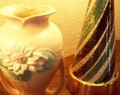 Hull WATER LILY Art Pottery Vase Mid Century Pottery Dual Handle Cream and Blush Mantle Vase L13-10 1/2