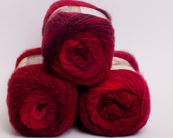 Amazing Wool and Acrylic Yarn Roses