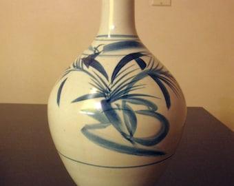 Large Antique Japanese Blue / White Sometsuke Ceramic Tokkuri Sake Bottle Vase.