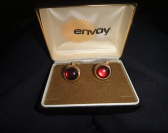 Vintage Swank Cuff Links Red stone with gold tone L shaped toggle back