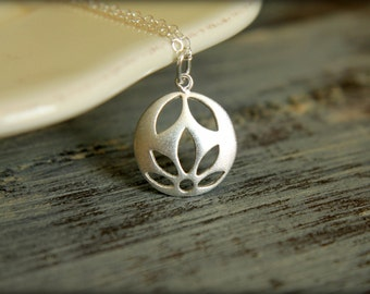 Blooming Flower Cutout Necklace in Sterling Silver