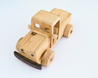 Handmade wood farm Truck, natural  wooden children safe toys, WoodWorking, Pretend Play, Waldorf, Push toy, Pull Toy, Pick up vehicle