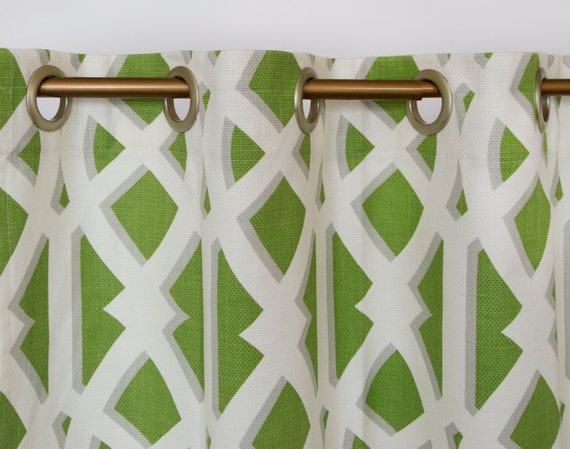 articles similaires vert lime moderne rideaux rideaux g om trique vert et blanc set de 2 sur etsy. Black Bedroom Furniture Sets. Home Design Ideas