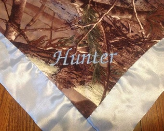 Camo baby blanket etsy personalized baby blanket camo baby blanket baby boy blanket personalized baby gift negle Image collections