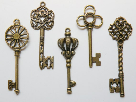 Skeleton key charm collection of 5 large keys Steampunk vintage inspired antique bronze COLL-L