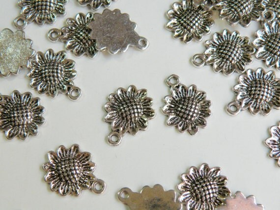 10 Sunflower charms antique silver 16x12mm PLF5080Y