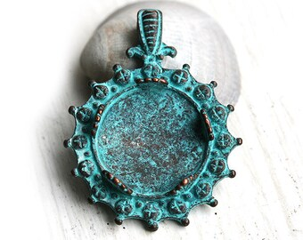 Round Cameo setting 25mm, Rustic Patina on copper, Greek pendant, cabochon base - 1Pc - F179