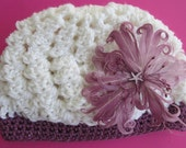 Crochet baby beanie with starfish flower in purple for NB to 6 mos. baby girl