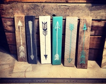 Reclaimed wood hand painted arrow