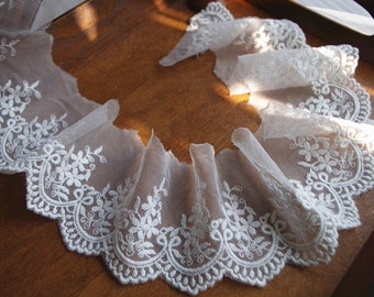 2 yards off white lace trim, embroidered lace, scalloped lace trim, retro floral lace