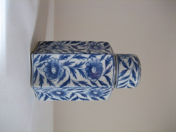 Maitland Smith Blue And White Powder Jar Octagon Home Decor