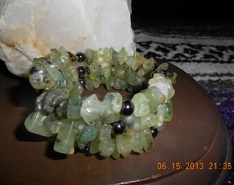 Magnetic healing bracelet  green quartz on memory wire