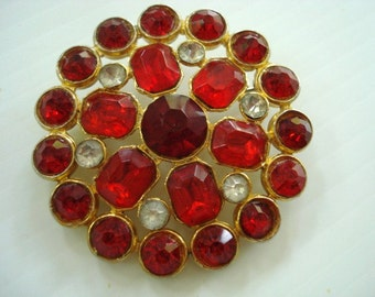 Exquisite  Vintage Large BROOCH - RUBYRED and BURGUNDY Color Stones  -  Red Color Austrian Crystal Stones