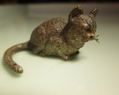 AUSTRIAN cold panted bronze signed painted  sitting  cat 1inch x 1inch highly collectable...VINTAGE 1920