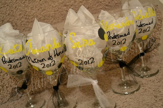 Set of 5 Personalized Wine Glasses -- Bridesmaid, Wedding, Bachelorette, Wedding Party Gifts, Anniversary, Girls' Trip, Girls' Weekend, Gift