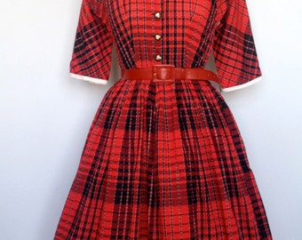 super cute 1950 plaid dress with hand painted dogs buttons