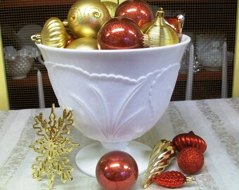 Vintage Indiana Glass Punch Bowl, Cracked Bottom, for decor only