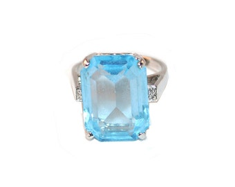 Emerald Cut Ring, Silver Metal,  Size 7, Faux Topaz, Blue Vintage Glass, Size 7