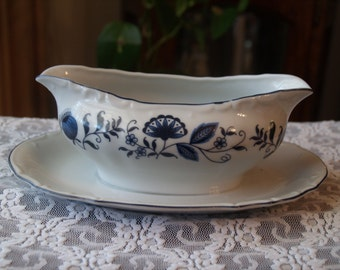 Gravy Boat Sauce boat with saucer attached, Made in Japan, Bridal Shower Gift, Wedding Gift, Blue and White Floral Design, Dinging  Serving