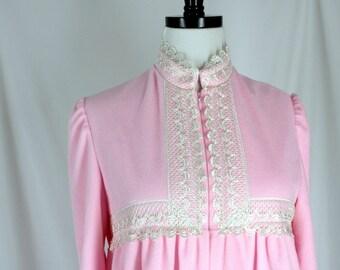 Vintage Fleece Robe NOS Vassarette Bijou Pink Small