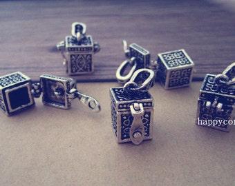 5pcs  Antique silver Treasure box charm pendant  11mmx18mmx28mm