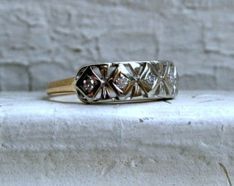 Antique Filigree 14K White and Yellow Gold Diamond Wedding Band.