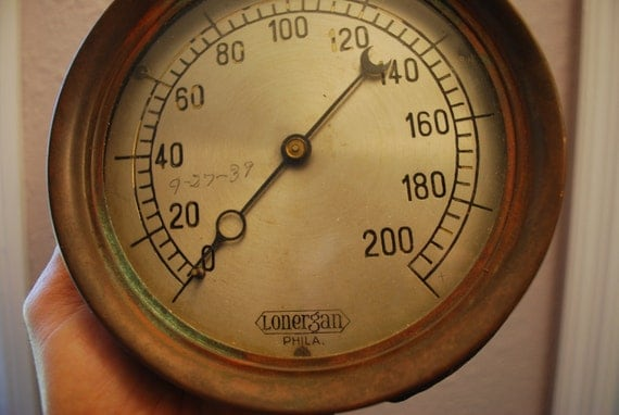 1939 NAUTICAL PRESSURE GAUGE