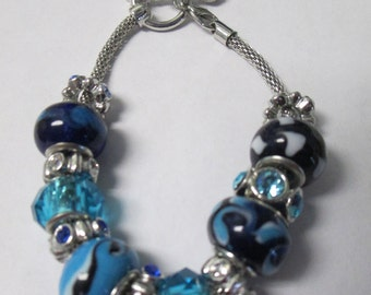 Jewelry Blue European style silver toned beaded bracelet with silver toned beads and glass beads
