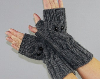 Owl fingerless mittens / gloves / wrist warmers ,wool acrylic yarn blend. Choose your colour.