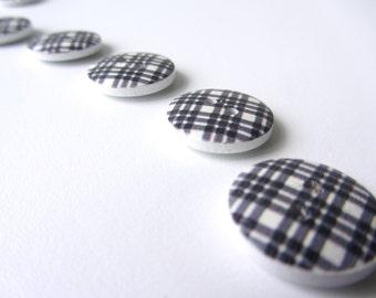 Black white checks wooden button 18 mm set of ten buttons nr. 30