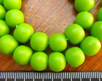 10mm Resin beads solid lime green 1 x strand of approx 49